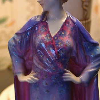 """Clothilde"" Royal Doulton Leslie Harradine - Figurines"