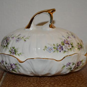 Chantilly Elizabethan fine bone china candy dish - China and Dinnerware