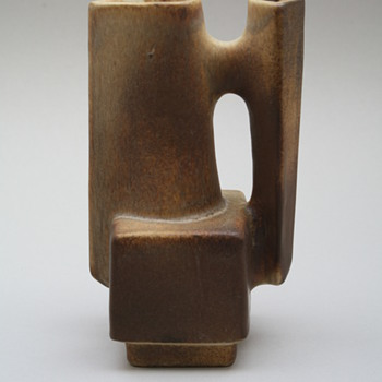 Loré, Beesel, the Netherlands. Designed by Matt Camps 1970s. Marked B111-2 - Art Pottery