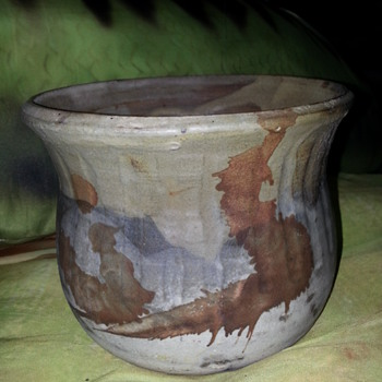 "POTTERY POTTING POT ""Need your Help With Signature"""