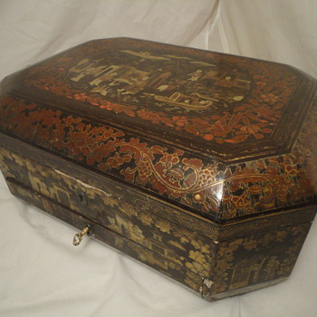 19th Century Chinese lacquered sewing box - Sewing