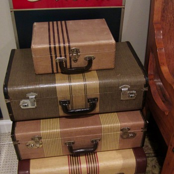 1930s to 40s tweed suitaces - Bags