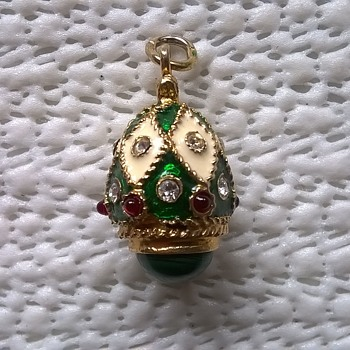 1) Gilded Sterling Silver Russian Pendant, Pawn Shop Job Lot Buy - Fine Jewelry