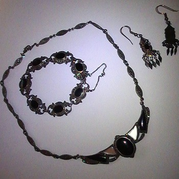 Necklace,Bracelet,Earring Set.
