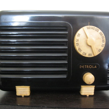 Detrola Tube Radio Pee Wee Midget Model 197 from 1938 - Radios