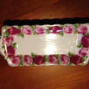 Rose design plate