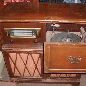 GE radio phonograph model 355