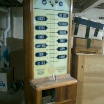 1945 Kiss-O-Meter, arcade/fortune teller machine.