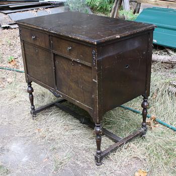 Amphion Cabinet Gramophone