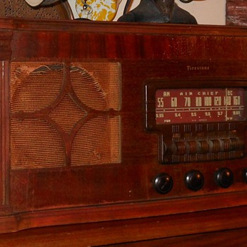 Firestone Air Chief Model 4-A-22 - Radios