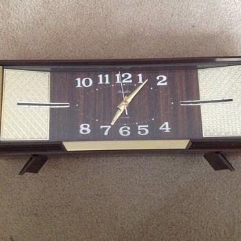 Vintage 1980's Rhythm alarm clock.