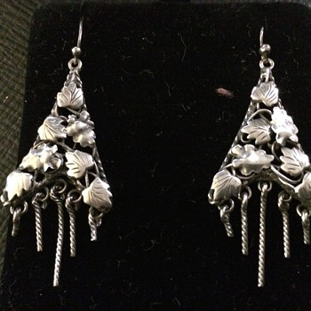 Jugendstil Leaf Earrings