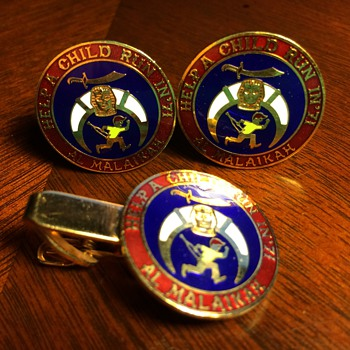 Unique Shriners Cufflink Set from 1971