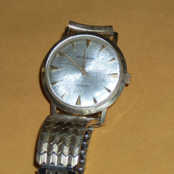 How old is this Wittnauer watch? - Wristwatches