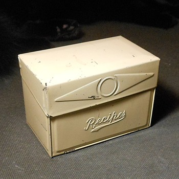 Vintage Metal Recipe Card Box for 3 x 5 Cards