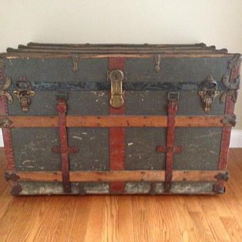 Traveler's Trunk