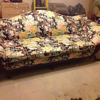 What is the brand of this ugly sofa? - Furniture