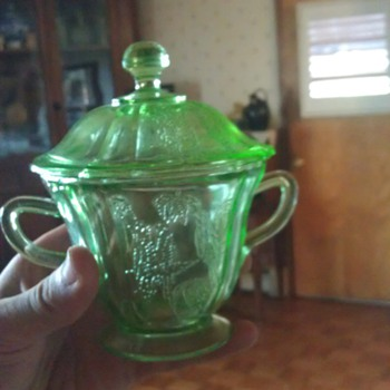 Nice Parrot Covered Sugar Bowl - Glassware