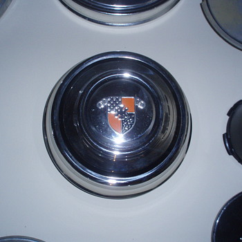 Unknown Hubcap - Classic Cars