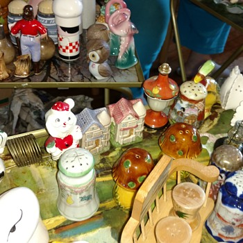 Antique salt and pepper shakers - Kitchen