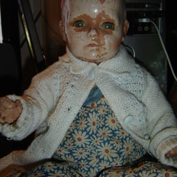 Help me ID this creepy doll... - Dolls