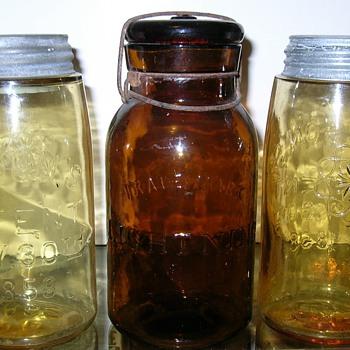 MASON'S 1858 YELLOW & YELLOW AMBER SNOWFLAKES - Bottles
