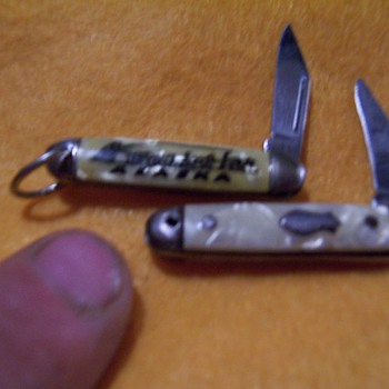 very very small knifes