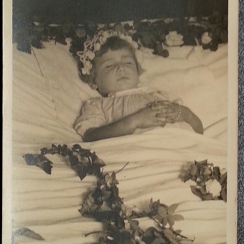 Post mortem photograph (19--?) - Photographs