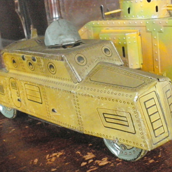 Hans Eberl of Nuremberg clockwork Armored car with Electric Light!