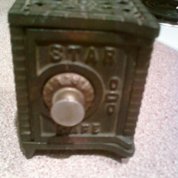 "Cast Iron ""Star"" Childs Coin Safe - Coin Operated"