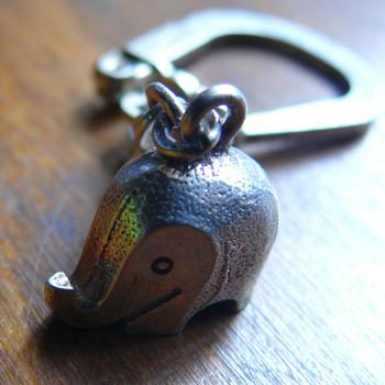 luigi colani elephant keychain - Sterling Silver