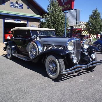 Duesenberg Automobile at Car Club's Summer Picnic