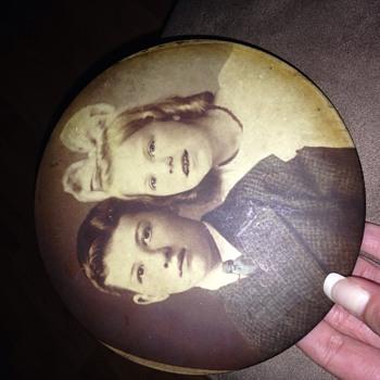 Antique tin type (?) circular photo - Photographs