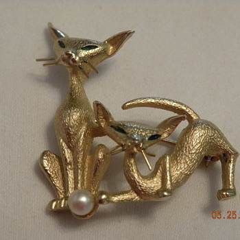 M Boucher cats - Costume Jewelry