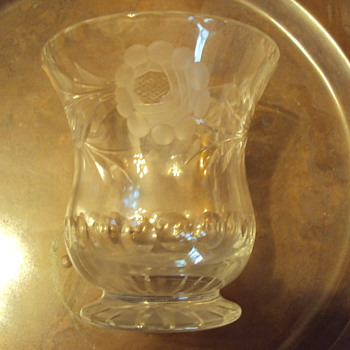 IS THIS GLASS OR CRYSTAL?  - Glassware