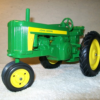 Early Ertl John Deere 620 - Model Cars