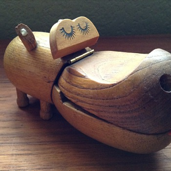 Zooline Female Teak Hippo circa 1950s - Animals