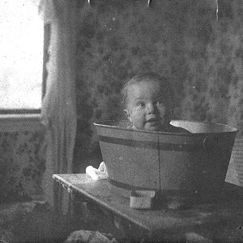 Child in tub from 1903