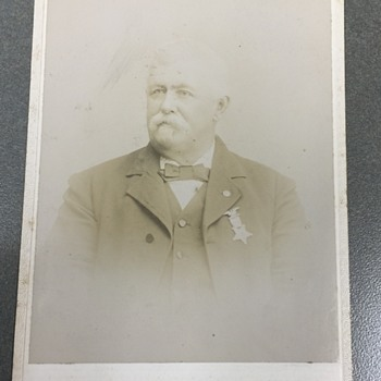 Antique Cabinet Card OF Man Unknown MEDAL???