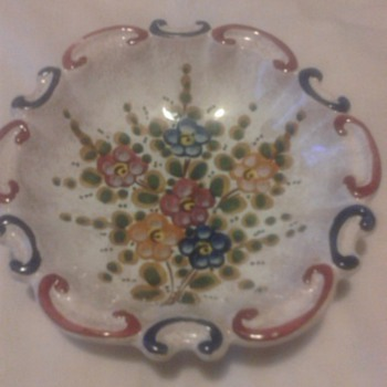 ITALIAN ART POTTERY - Pottery