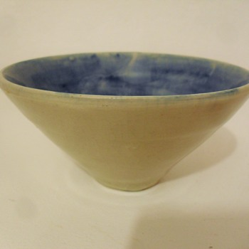Footed bowl with incised LR - Art Pottery