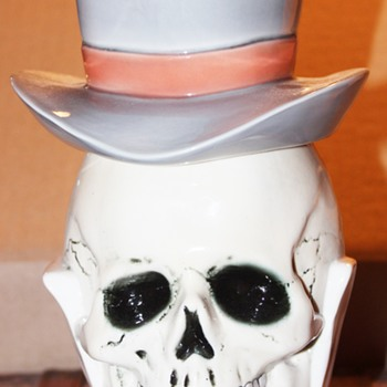 Albert Stahl #1848 Skull Head with Top hat Lidded Stein