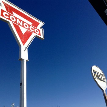 Another Conoco sign