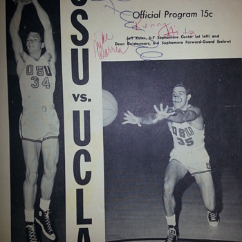 RARE Signed 1967 Program by Lew Alcindor - Basketball
