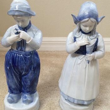 Vintage Delft Figurines
