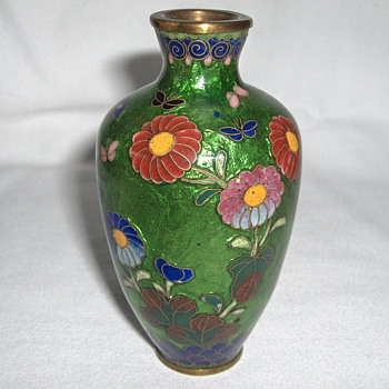 Little 4 Inch High Antique Japanese Mixed Style Cloisonne Vase - Meiji