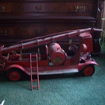 Large Antique Fire Trucks - Firefighting