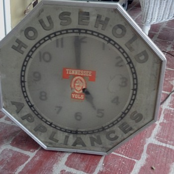 vintage clock? - Advertising
