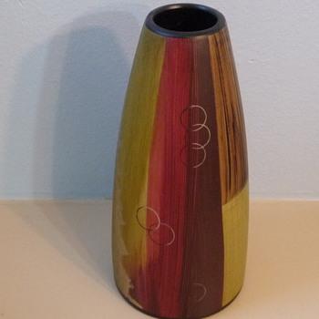 T.L.M. 1968 mystery vase - Art Pottery