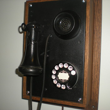 1930&#039;s Kellogg Art Deco Wall Phone